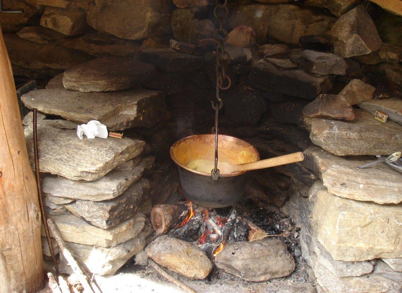 Kamin in der Hütte