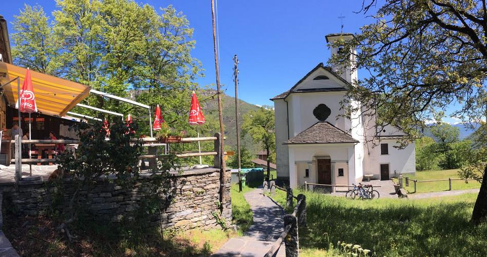 Costa - Grotti und Kapelle