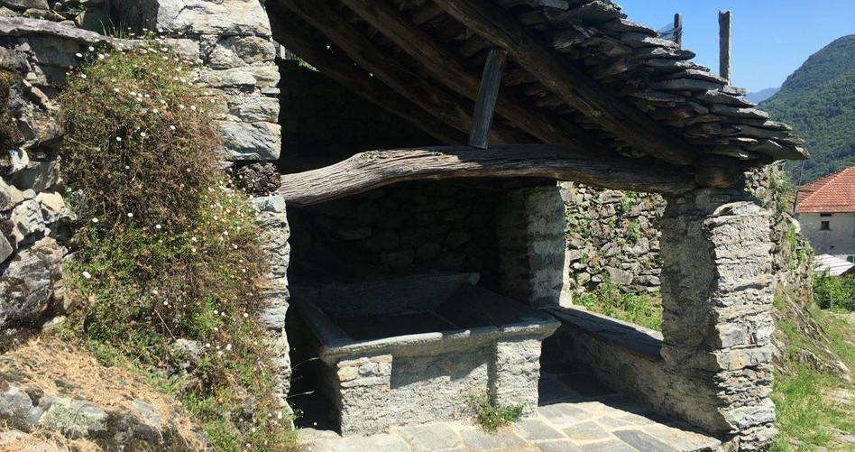 Historischer Waschplatz zum Waschen von Wäsche