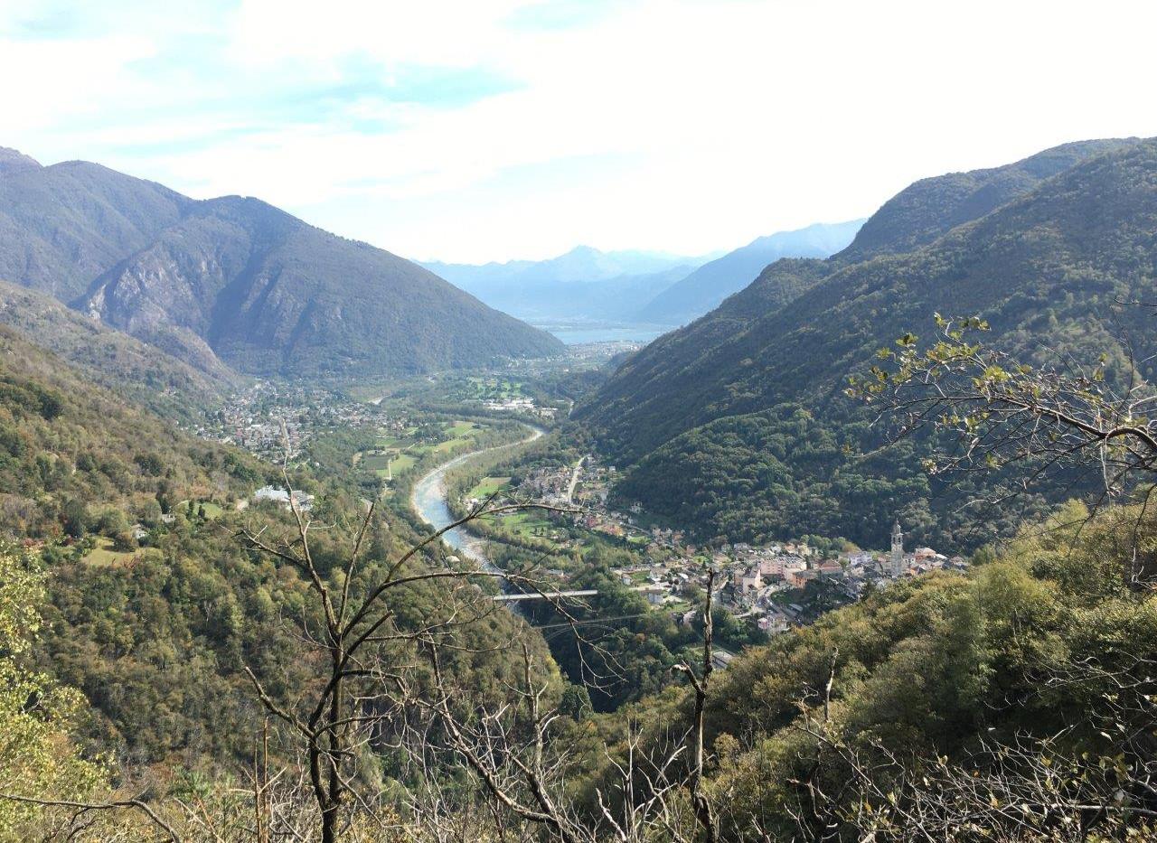 Sicht auf Intragna, Verscio, Tegna, Locarno