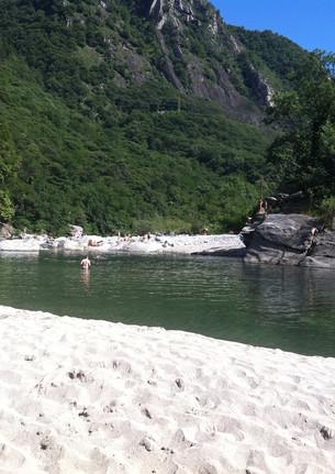 3.3 Baden im Fluss Maggia