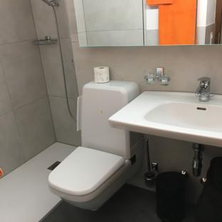 WC, Bad, Dusche, Closomat, Haartrockner.
