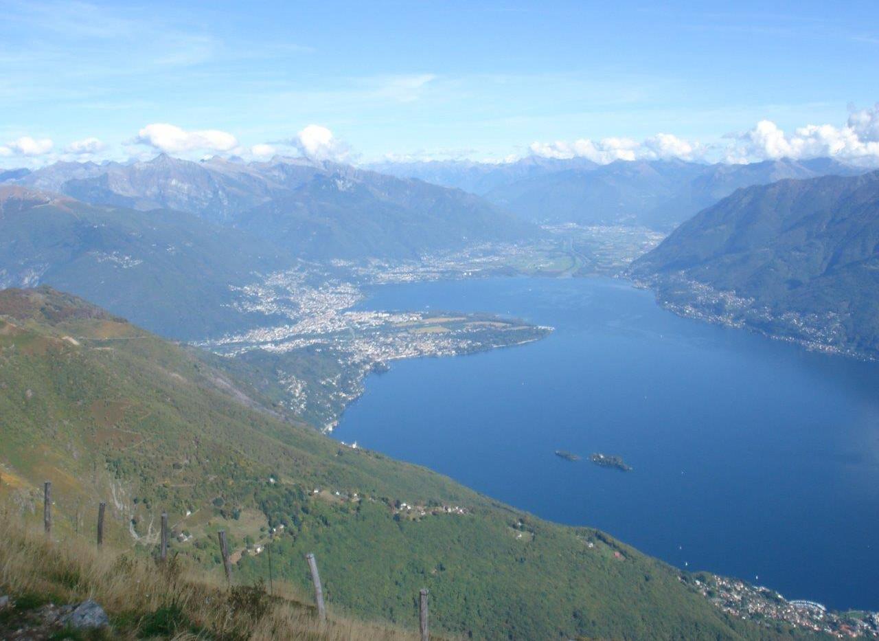 Blick nach Ascona, Locarno, Magadino Ebnene