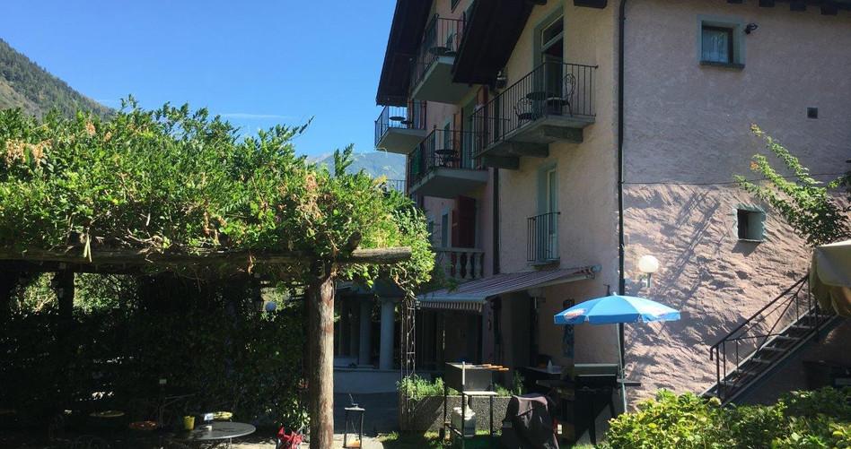 """Grotto/Hotel """"Al Ponte Antico"""""""