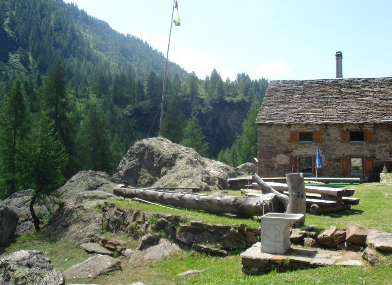 Vorplatz Capanna Soveltra