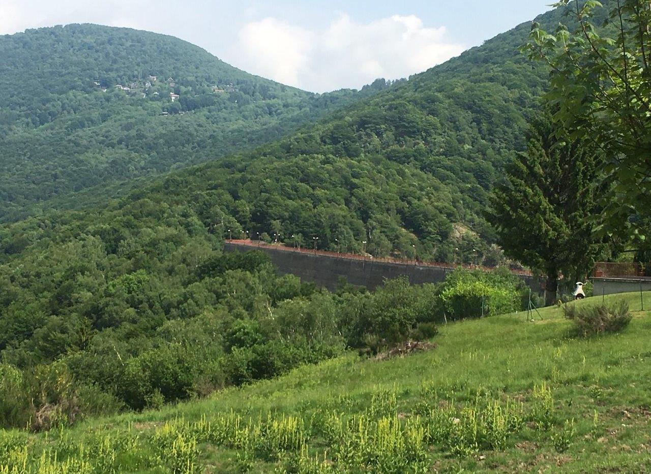 Staumauer Lago Delio