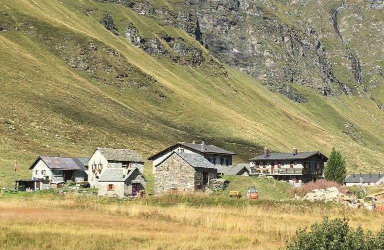 Weiler unterhalb Lago Cadagno