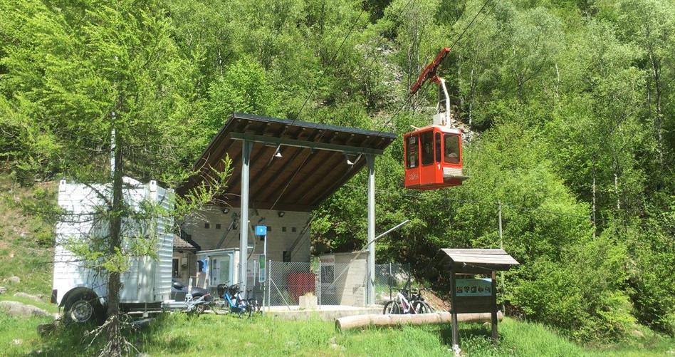 Seilbahn Zott-Alpe Salei