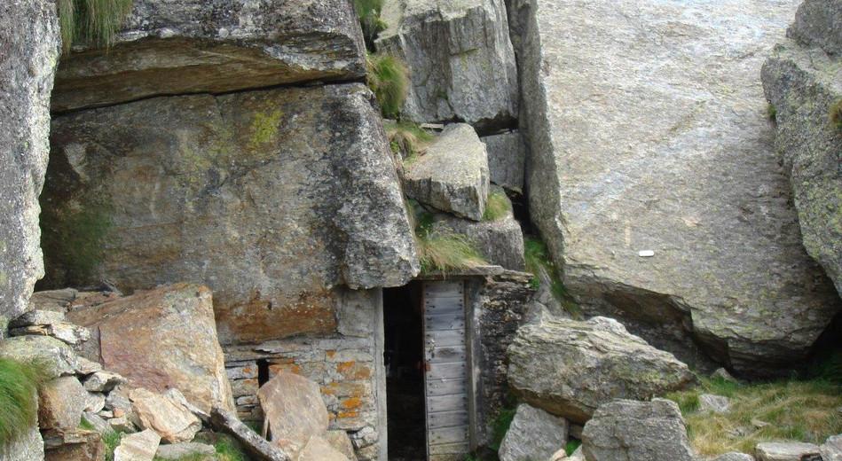 Keller der Hütte