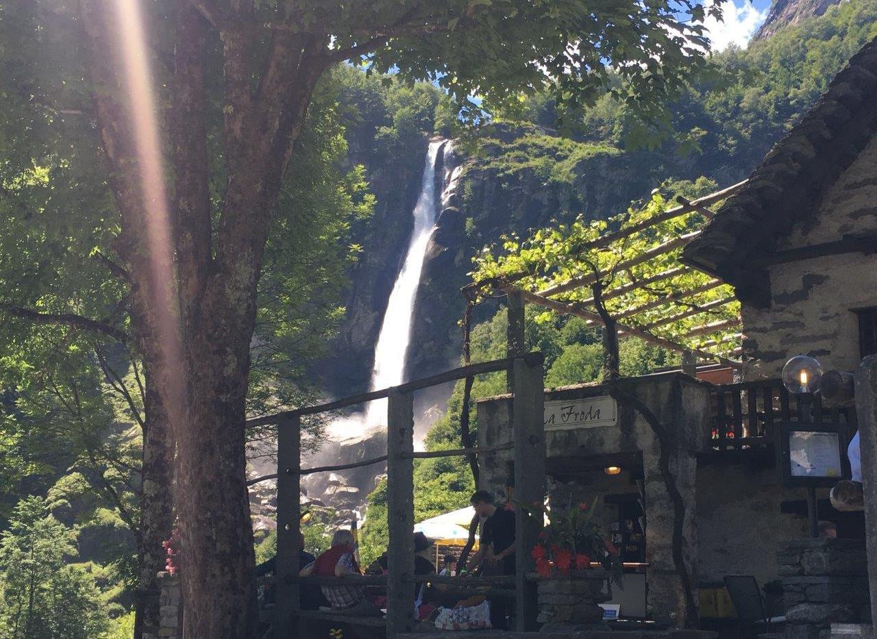 Wasserfall vom Grotto aus