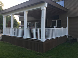 Large Deck w/Roof