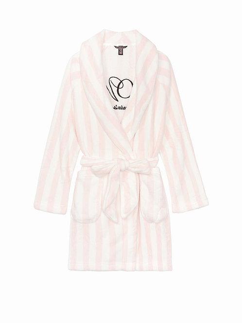 Короткий халат от Victoria`s Secret Logo Short Cozy Robe