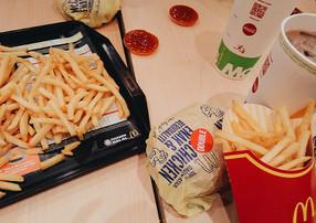LIFESTYLE: McDonald's wycofa plastikowe zabawki.