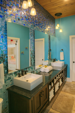 Bathroom for 7
