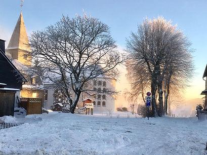 Winter-uitzicht-op-kerkje.jpg