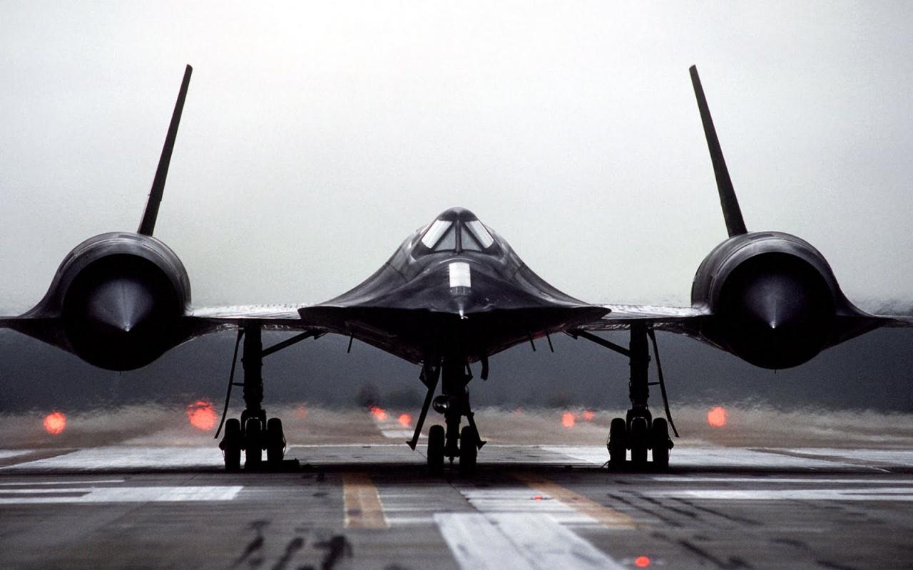 Lockheed SR-71 Blackbird_2