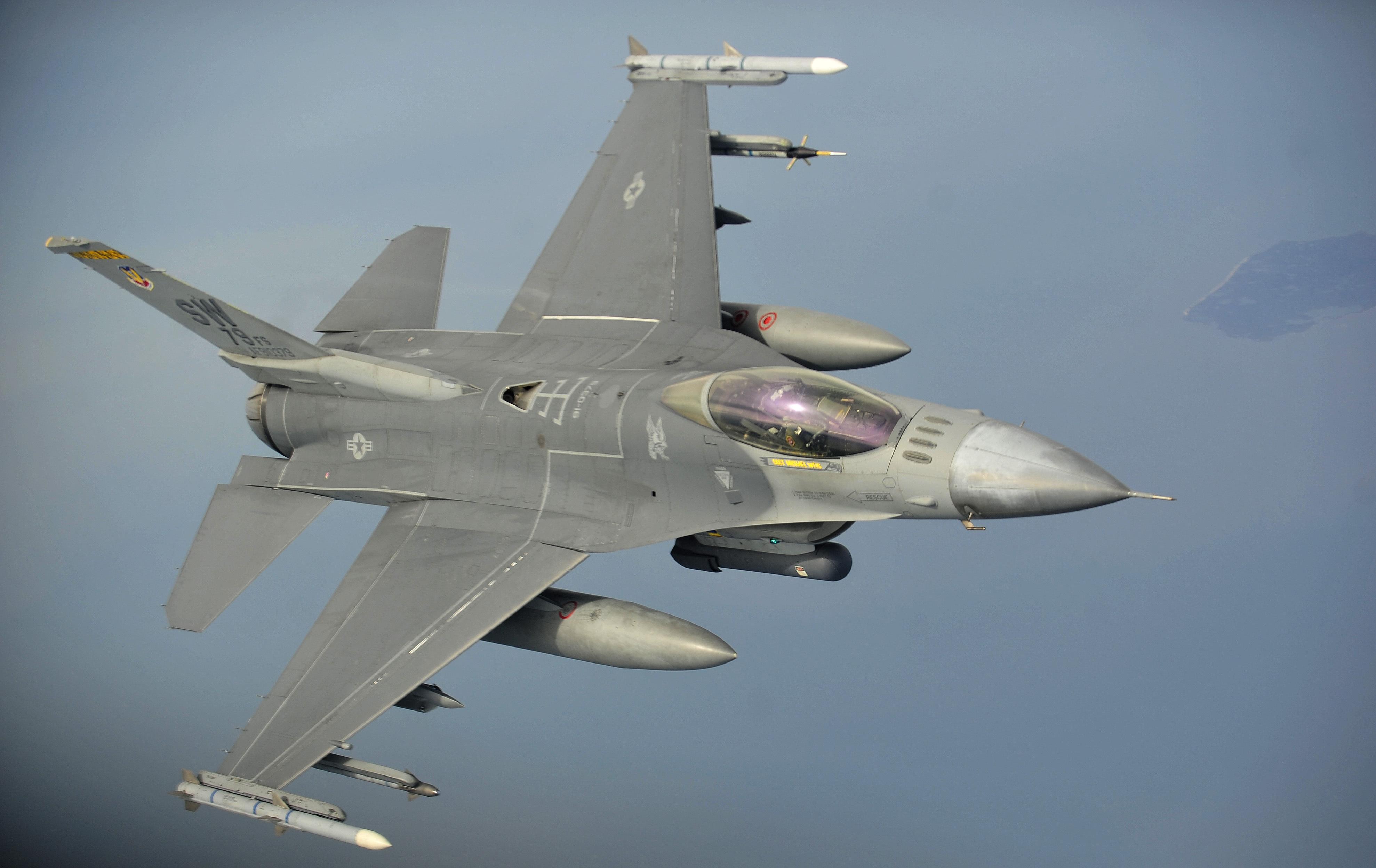 F-16 Fighter Falcon_1
