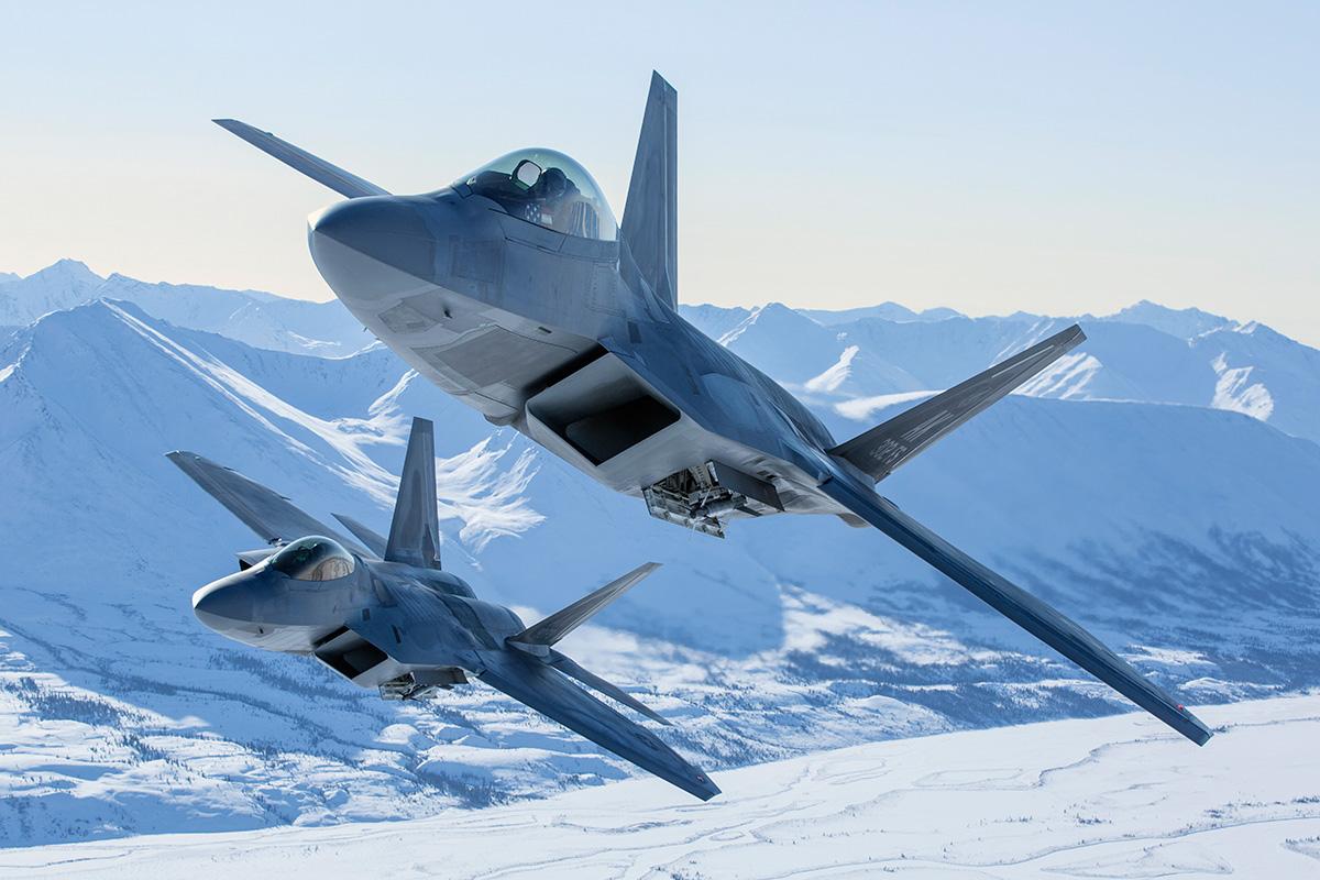 Lockheed Martin F-22 Raptors_3