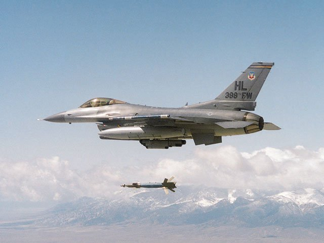F-16 Fighter Falcon_2