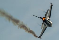 F-16 Fighter Falcon_6