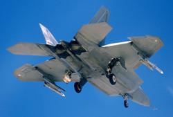 Lockheed Martin F-22 Raptor_3