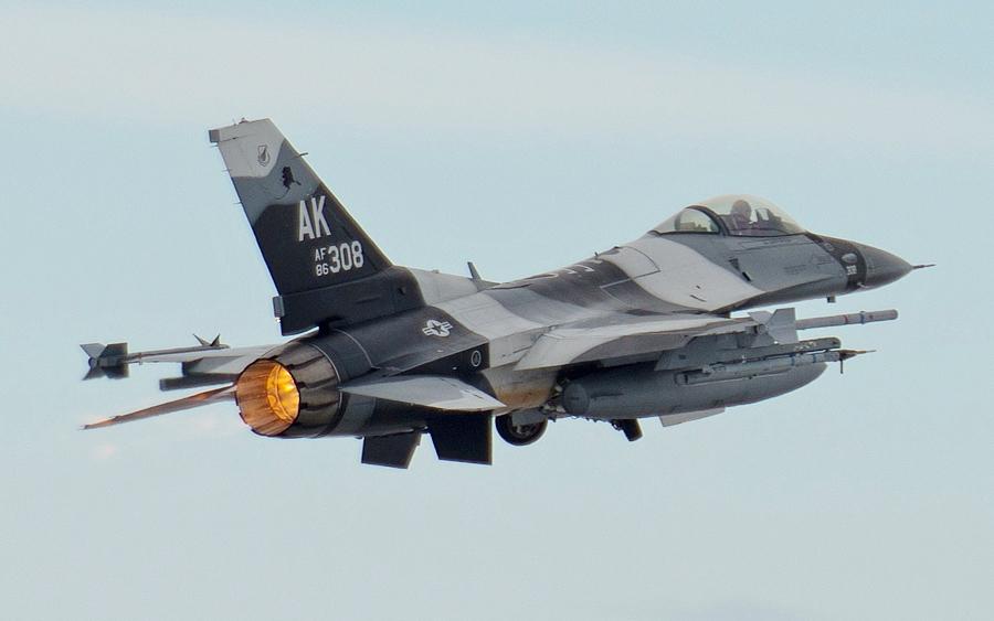 F-16 Fighter Falcon_3