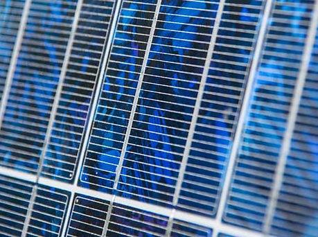 Polycrystalline-solar-panel-type-uses-mo