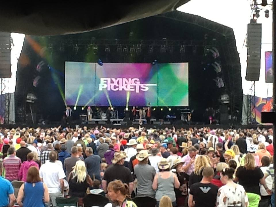 Simon at the Rewind Festival