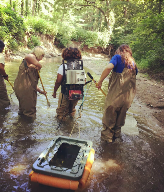 Alyssa, Mae, Megan and Jenny electrofishing