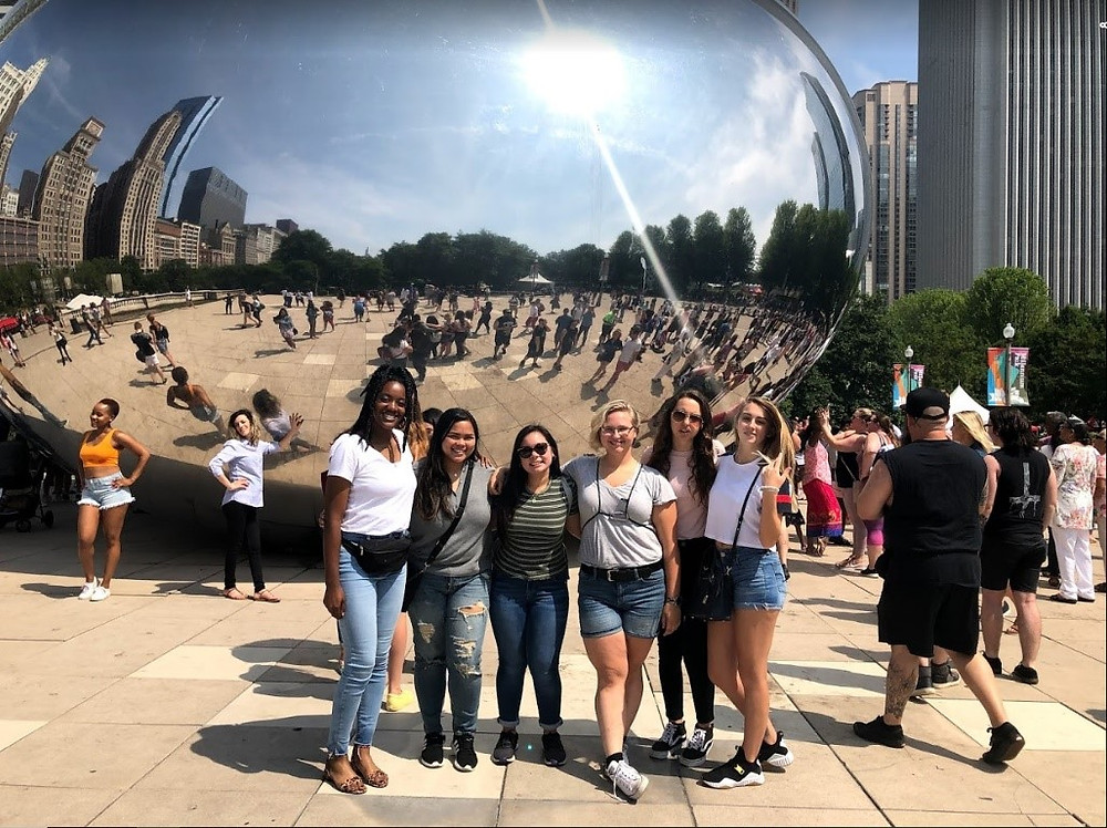 Mia, Alyssa, Cortney, Mae, Jenny and Taylor at the Bean in Chicago