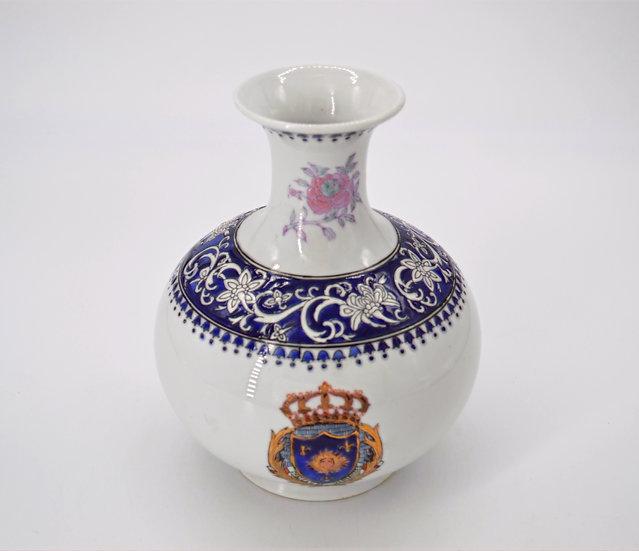 Wong Lee Porcelain Vase
