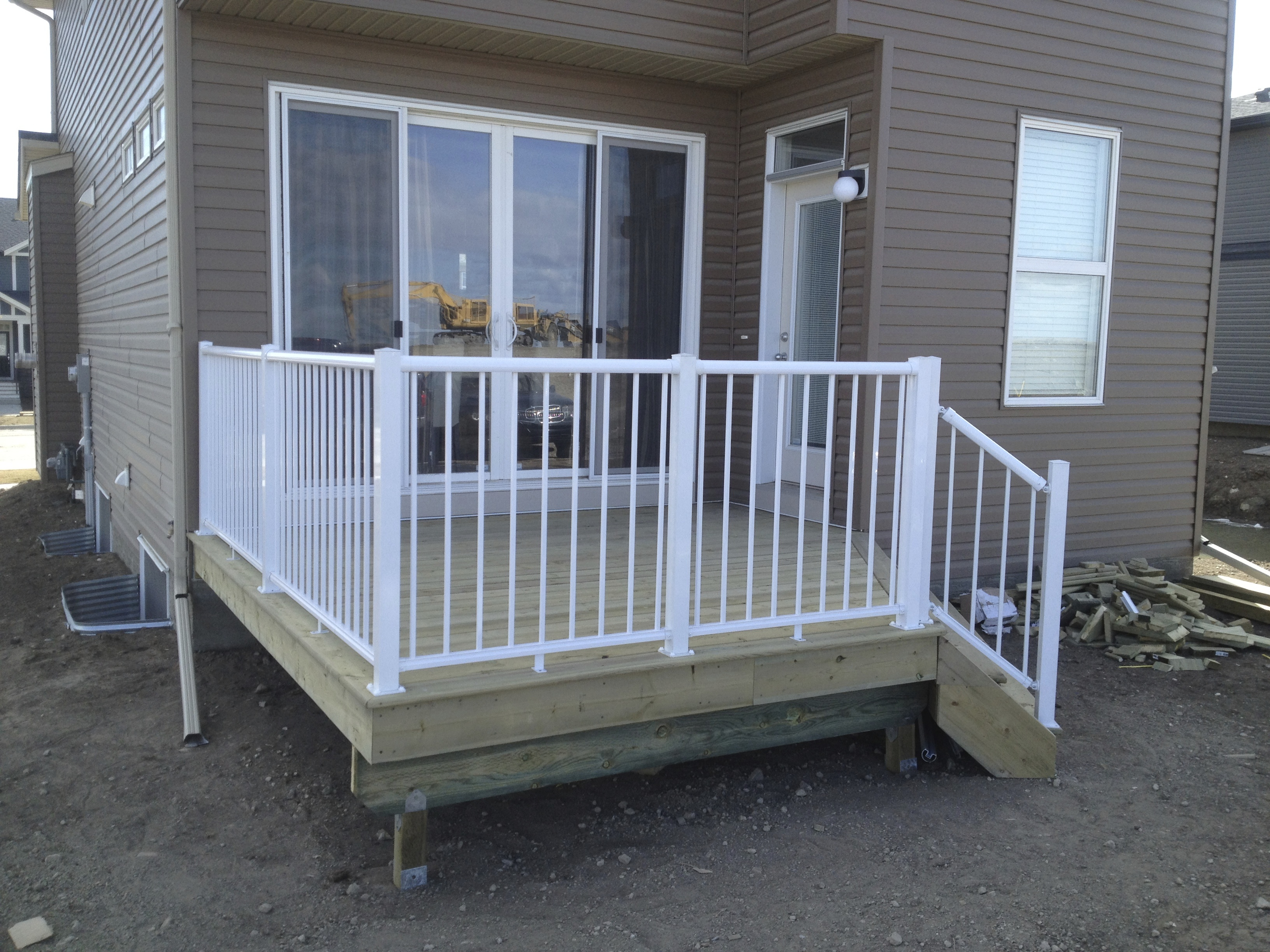 PT deck with white rail