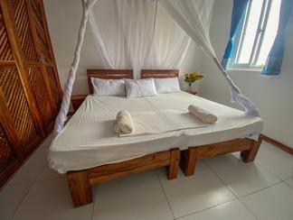 aqua_bedroom_2.jpg