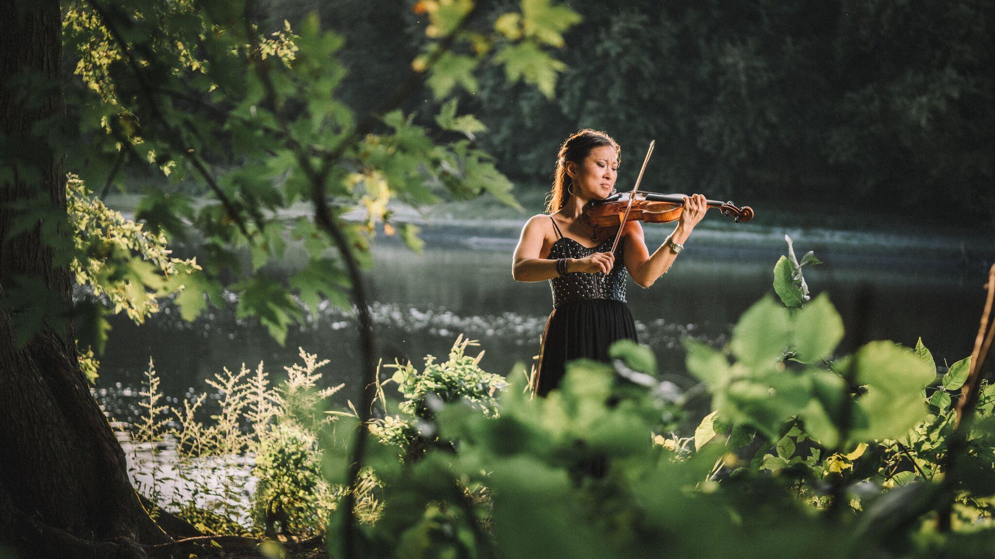 Erika Blanco, violin