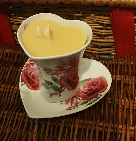 Candle in rose teacup (citrus)