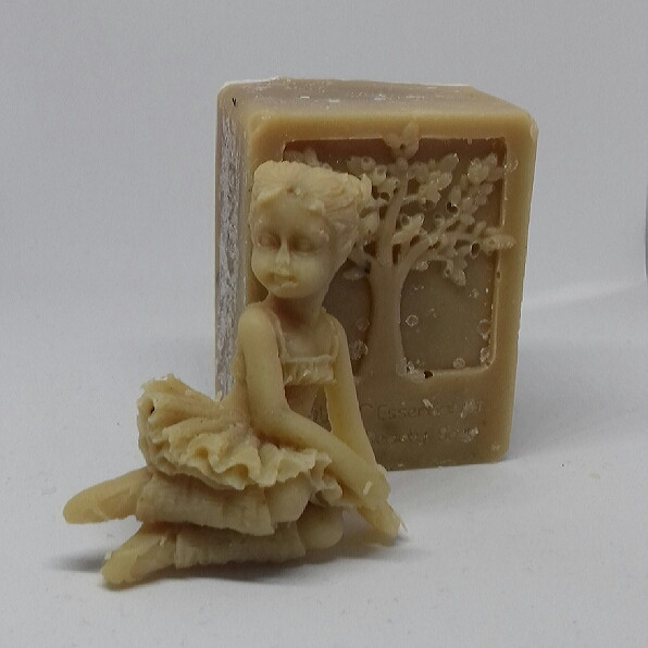 muscle relief soap with rosemary, thyme and lemongrass