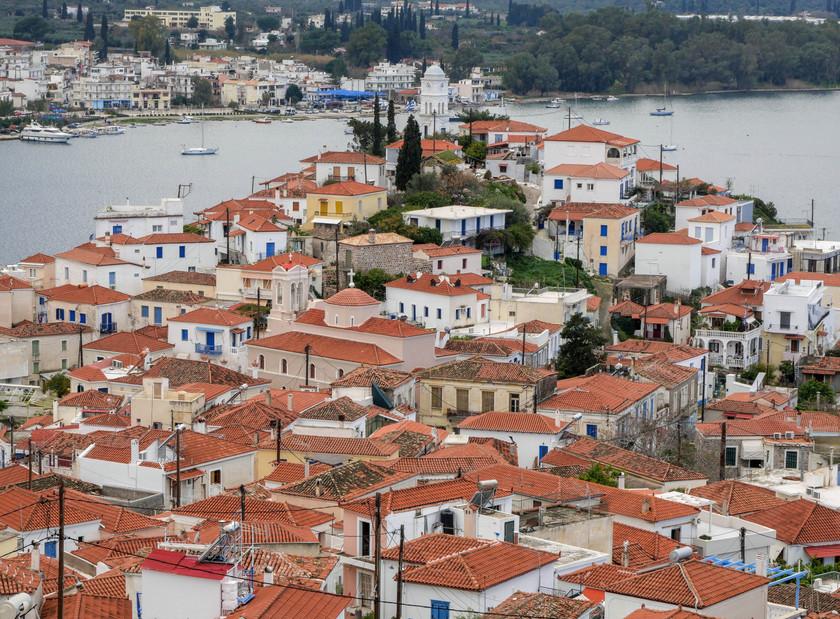 Point de vue sur Poros depuis l'ancienne forteresse