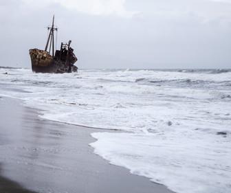 L'épave de la plage de Valtaki