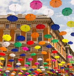 Parapluies suspendus