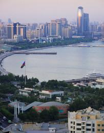Bakou depuis la voie des Martyrs