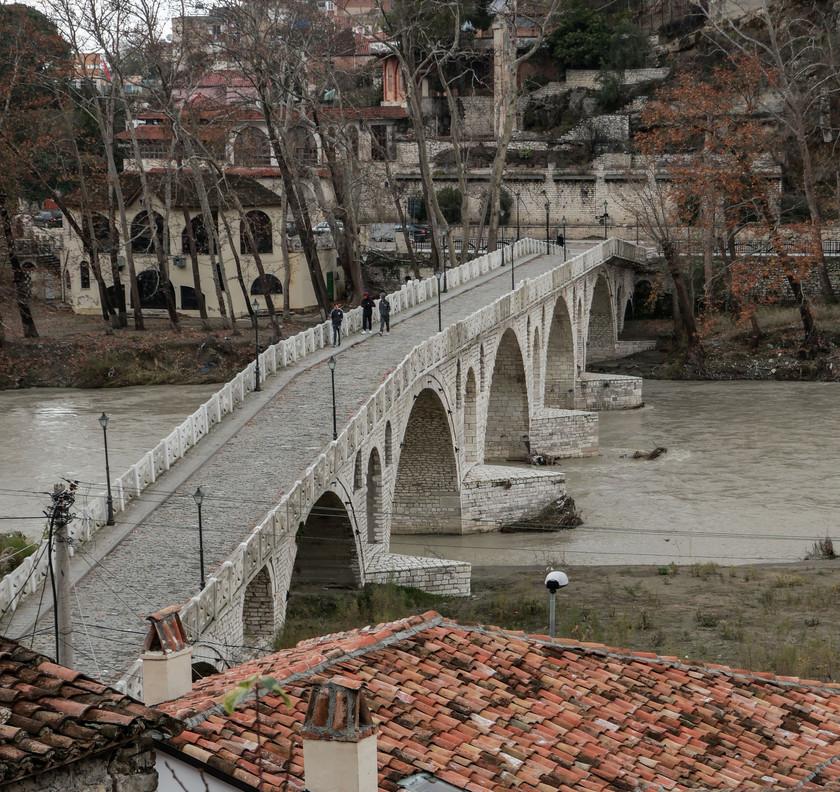 Le vieux pont ottoman de Berat