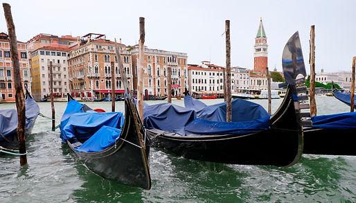 Les gondoles : le symbole de Venise