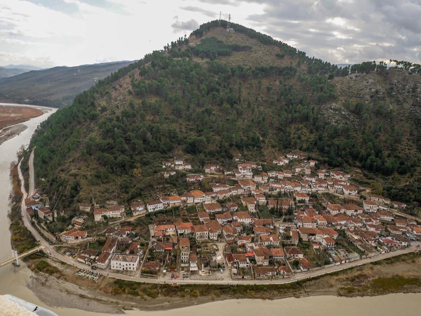 Le quartier Gorica de Berat depuis la citadelle