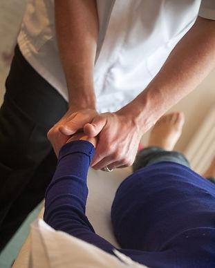 chiropractic-3516426_1920.jpg