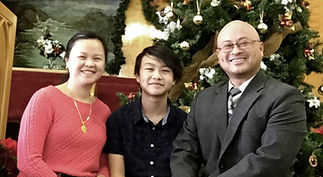 Pastor Nomyee Lor, wife Za and their son, Mosae (Photo courtesy Nomyee Lor)