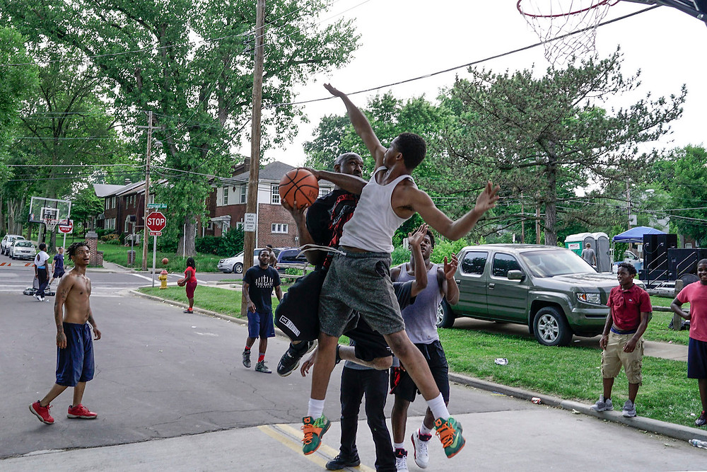 The Gate Church set up basketball courts for residents at Kingsland Park in University City, Mo., during Crossover St. Louis 2016. According to a local pastor, the park has been plagued by drug use for the past several years and The Gate Church hopes to help reclaim the area for the citizens. (Photo courtesy Bob Carey)