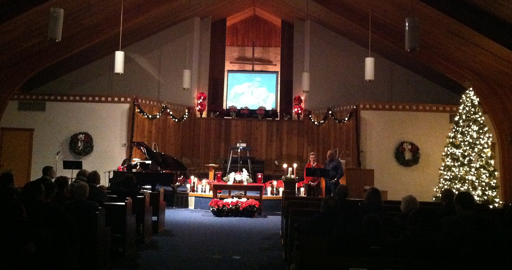"""First Baptist welcomes in the community as they gather to celebrate the """"Hanging of the Greens."""" (Photo courtesy of FBC DeWitt)"""