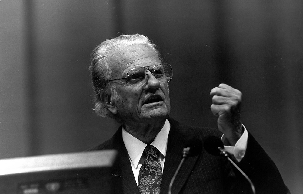 Billy Graham, who died Feb. 21, addresses the 1995 sesquicentennial meeting of the Southern Baptist Convention in Atlanta, one of several SBC annual meetings he addressed starting in 1951. BP file photo