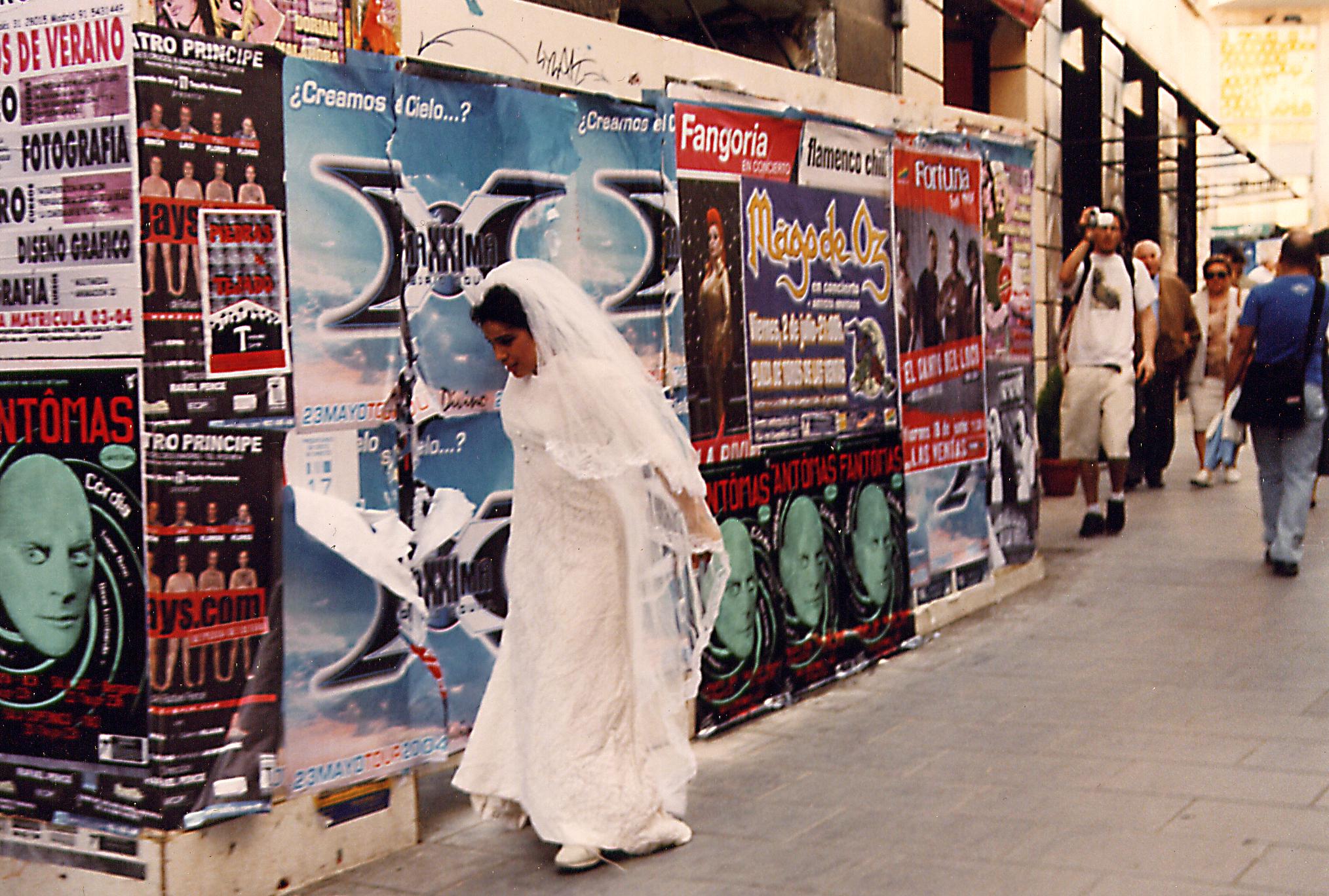 novia brenda calle1