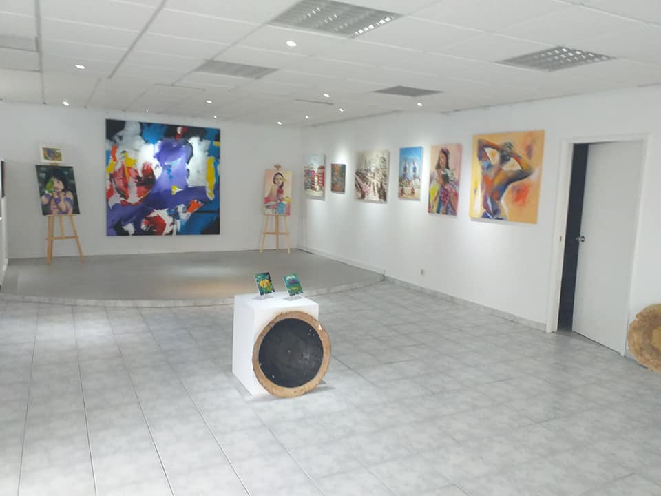 Dos Anjos Gallery